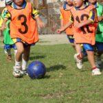 幼児、低学年でサッカーを習う。ボール、シューズの準備なら